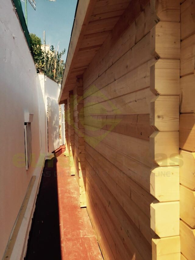 Montaje caseta de madera proyecto especial altea 4x8 caseta de madera a medida eurocasetas - Casetas de madera a medida ...