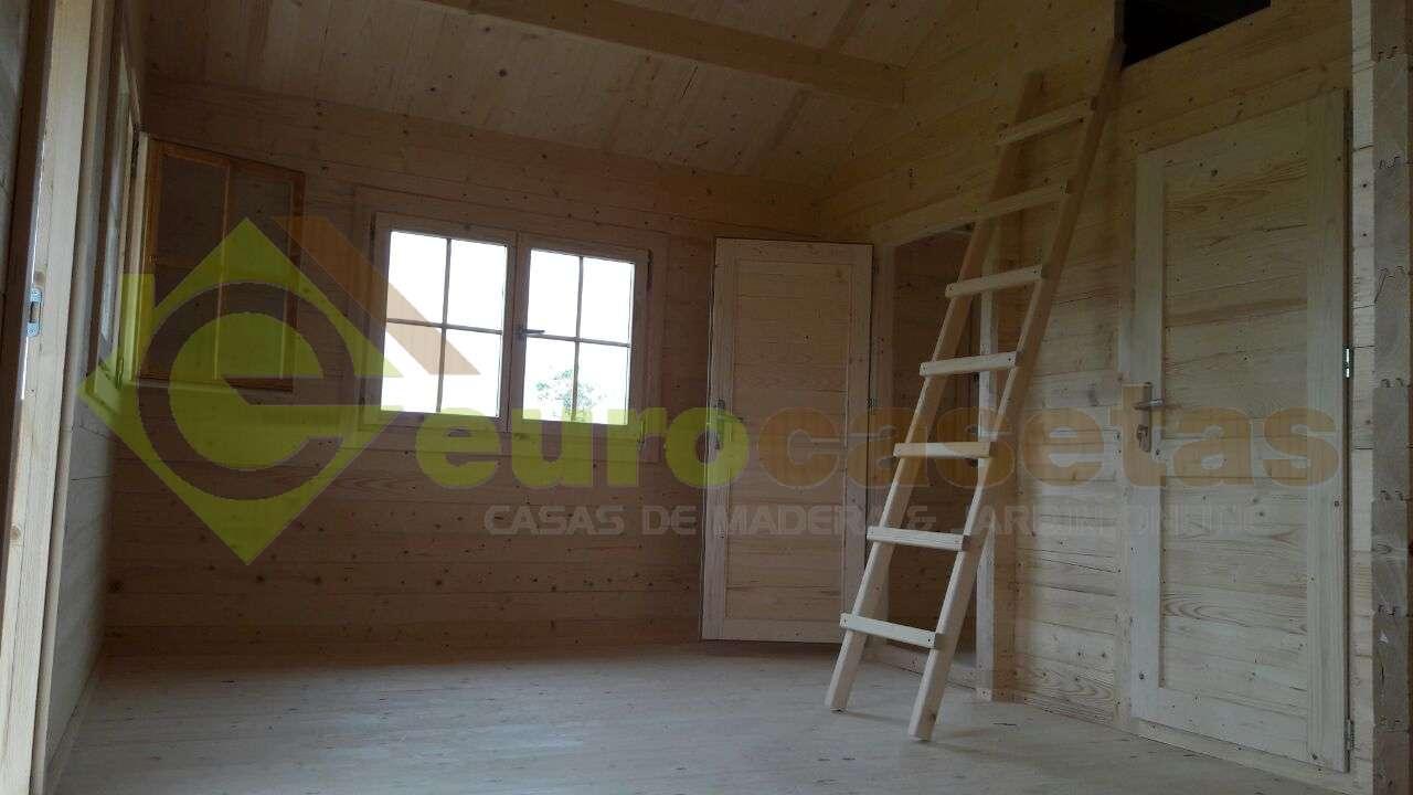 Montaje casa de madera asti modificada en sant feliu de - Montaje casa de madera ...