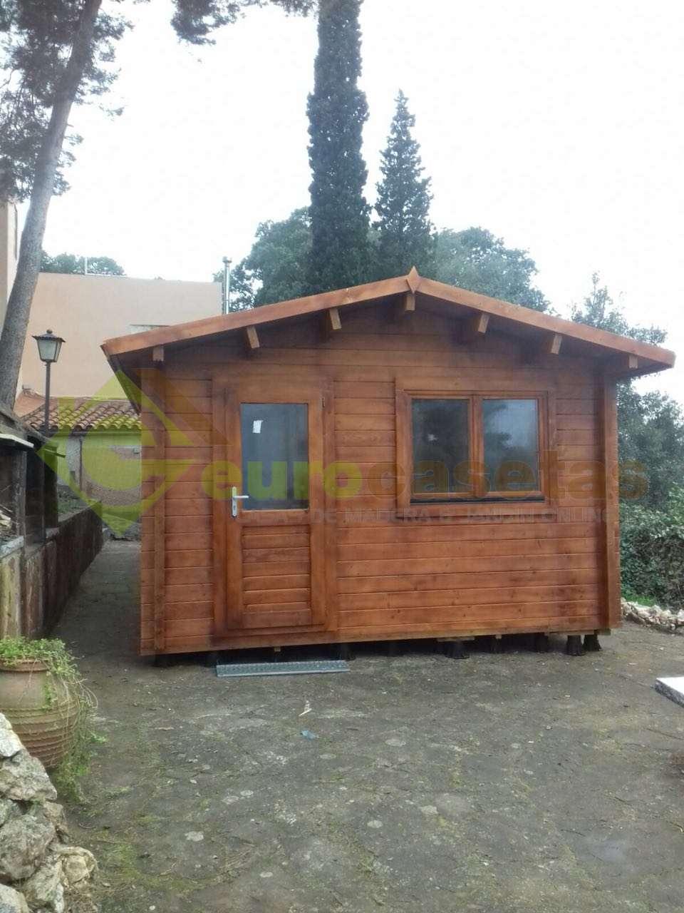 Montaje casa de jardin bergen 4x5 70 mm en barcelona for Casa jardin barcelona