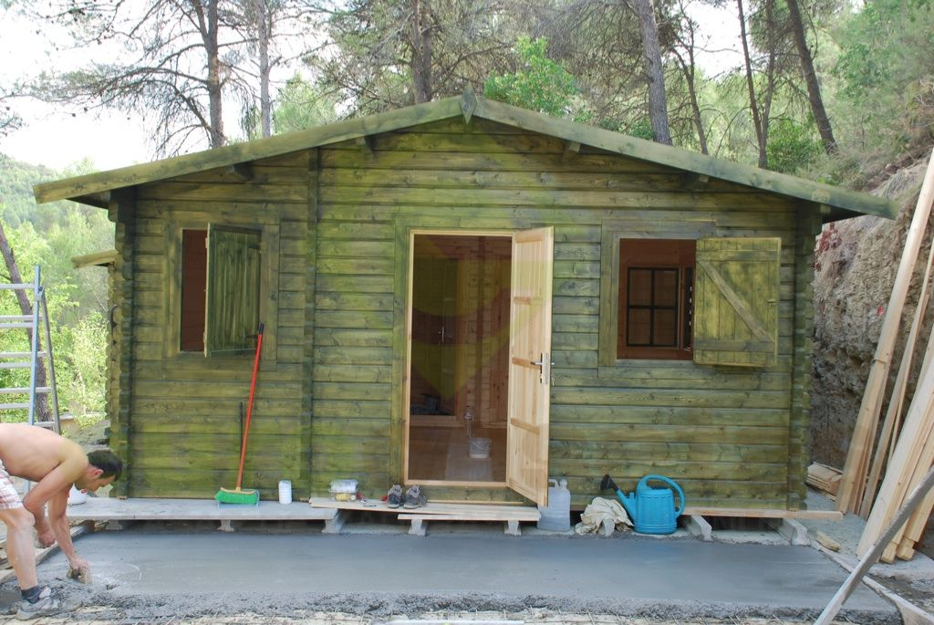 Montaje casa de madera dani en manresa eurocasetas - Montaje casa de madera ...