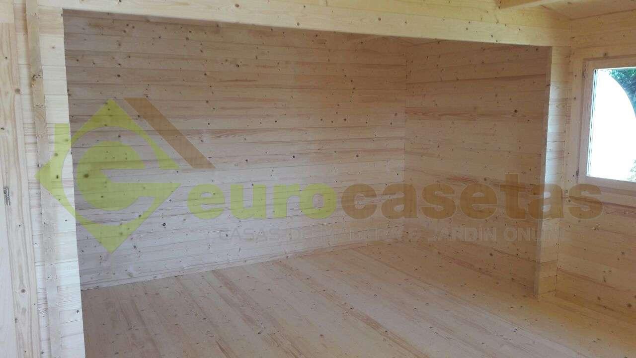 Montaje casa de madera roy con ba o en portugal for Montaje tejados de madera