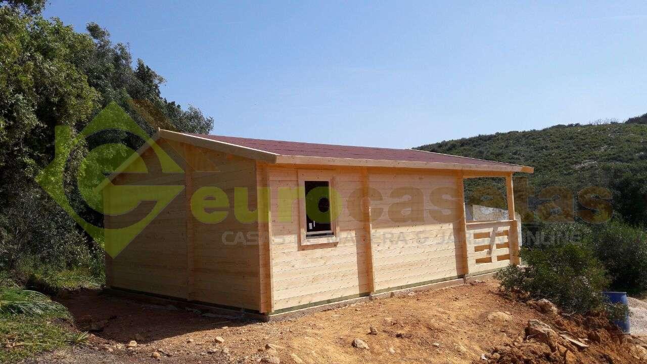 Montaje casa de madera roy con ba o en portugal - Casas de madera portugal ...
