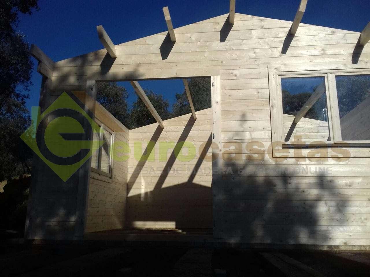 Montaje Caseta de jardin ALTEA 5x4 en Collbato (Barcelona)