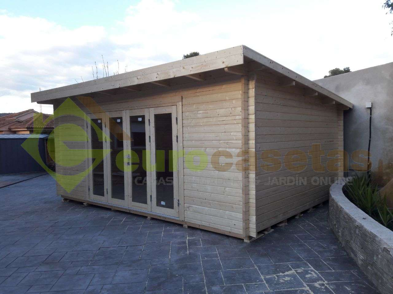 Montaje Caseta de madera LEA 19,4 m2 en Cervello (Barcelona)