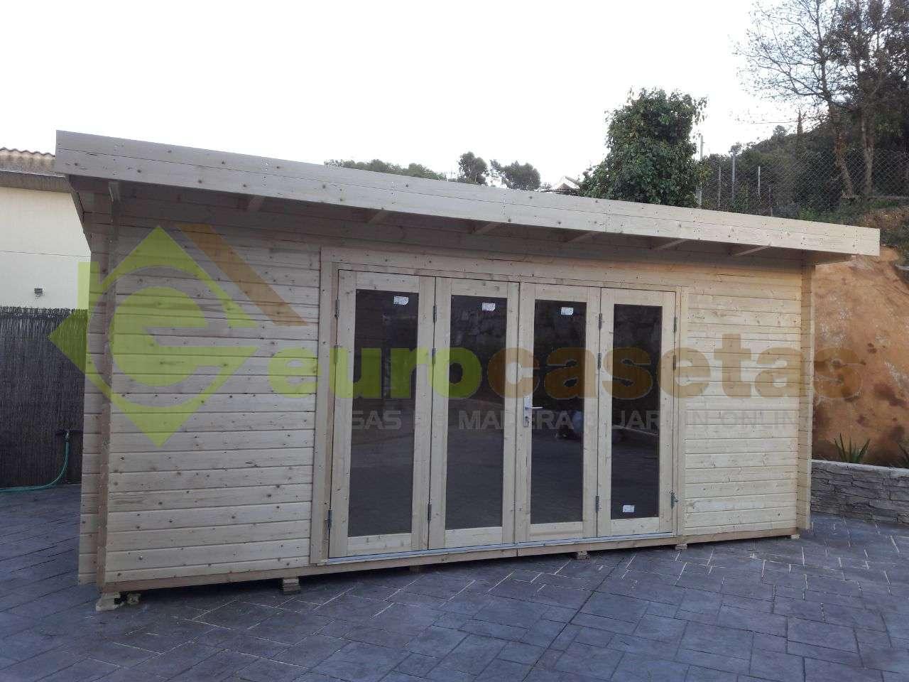 Montaje Caseta de madera LEA 19,4 m2 en Cervello